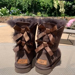UGG Bailey Bow II -brown-women's size 7